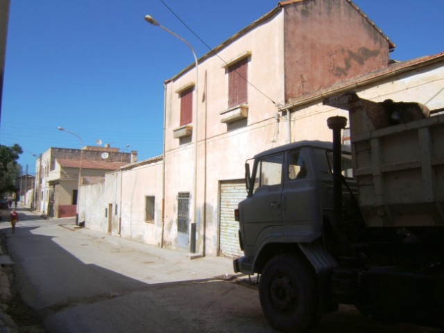 Rue LEBLOND La maison des BENSAID  est en face du garage