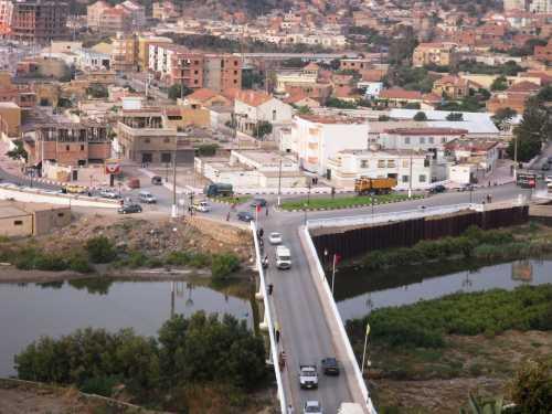 2009 - Le pont sur l'oued Allalah vu de la Pointe des Blagueurs