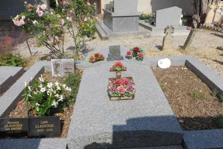 A gauche : Pierrette CLAUSTRES (1925 - 2013) Louis CLAUSTRES (1920 - 2011)  Au milieu : Joseph CAMILLERI  A droite : ?