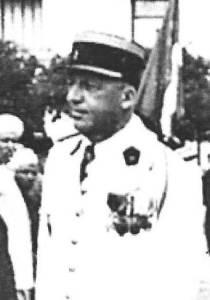 Photo-titre pour cet album: Colonel LALLEMAND  Commandant du 22ème RI à TENES  1958 - 1962