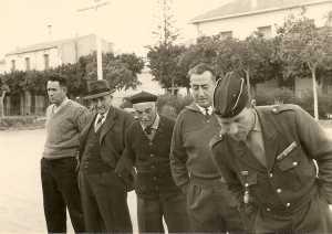 TENES 1956 / 1957 Au Boulodrome chez Fernand DELBANO ---- Clovis JANINET Alphonse MANZANARES Augustin CACCIUTTOLO Charlot XICLUNA Paul MATHIEU