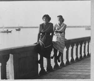 1950 - TENES Denise XICLUNA Annie LASSUS