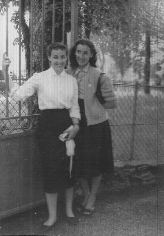 1954 - LOURDES Annie et Maguy LASSUS