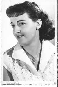 1958 - Annie LASSUS Epouse ENGGASSER