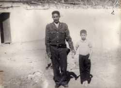Mohamed HASFAOUI et son fils Regou (7 ans)