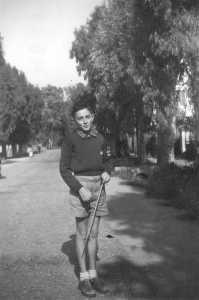 Bernard GARRISSON sans doute route de Cherchell en 1953