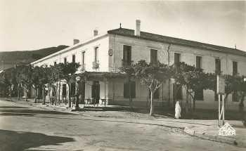 l'Hotel des Arts tenu par Mr Mme POUZENS  puis par Mme FRONTEAU