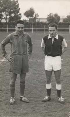 """1961  Sur le stade d'OUED-FODDA  Vincent SALA """"Titou"""" Claude SALA"""