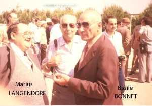 TENES - 1960/1961 Marius LANGENDORF Mr MERENS (Directeur de l'Hopital) Basile JONET ---- Camille BORTOLOTTI (chapeau) Antoine GARCIA (en face de BORTOLOTTI)