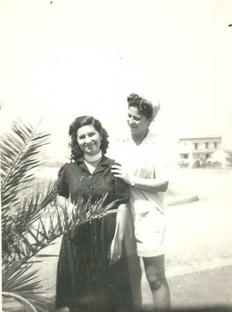 1949 Laurence NOBLES  et Aliette FAGNONI  (Epouse de Daniel SCHMITT)