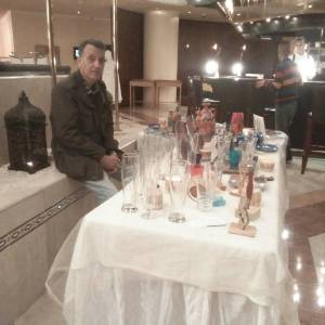 Photo-titre pour cet album: Exposition  de verre gravé à l'hôtel Sofitel