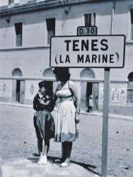 Pierrette SUCHI et Jacqueline MARCOT  au fond : Christiane VERGO