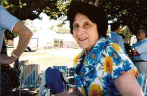 Lucette MAYLIE ---- Juin 1999 - LA DEVEZE