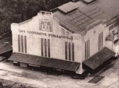 ORLEANSVILLE - La Cave