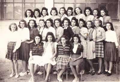 ORLEANSVILLE - 1946 COLLEGE MODERNE