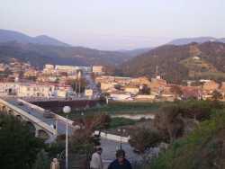 Vue sur le pont et  la route de Cherchell