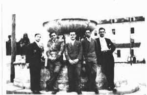 photo de 1928 ---- Armand DECANIS X X BENMEHEL Alexandre CAMILLERI