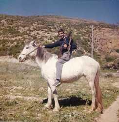 TENES - Novembre 1959  ---- Crescent PEREZ fils (Petit Crescent) Sur une bien belle monture