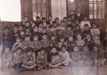 TENES - Classe de 1937 ---- Instituteur Maximin CROS