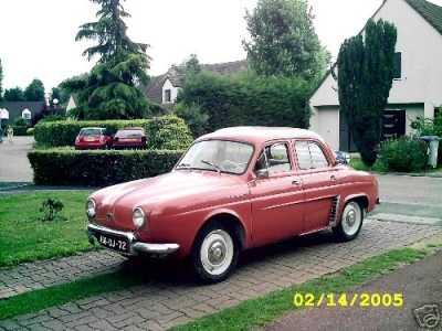 1958 - la DAUPHINE Renault