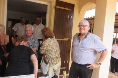 Eveline FERRA avec des voisins Oranais