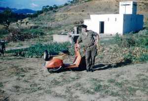 Marcel ROMEO le 19 Octobre 1959 ---- Scooter peint par  le garage DI MEGLIO