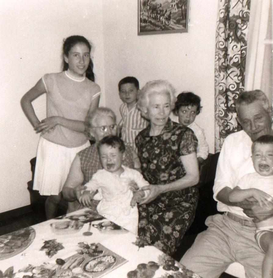 Viviane ALBENTOSA Antoinette LUBRANO Hyacinthe ALBENTOSA Jacqueline ALBENTOSA Jean-Pierre ALBENTOSA et les enfants