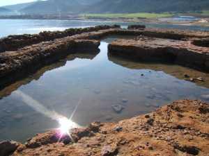 Vivier plage de Mainis Au fond la station de  dessalement d'eau de mer