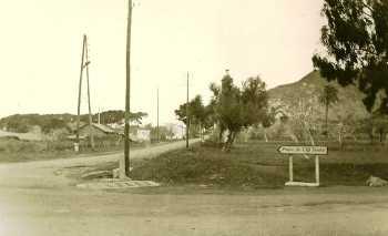 Croisement de la route de TENES / ALGER  et de la route du Phare