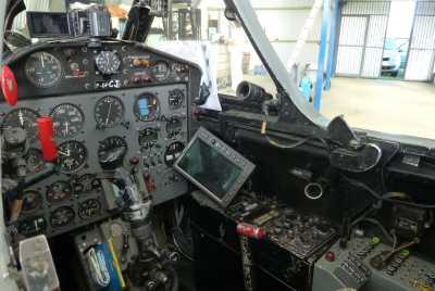 Septembre 2013 --- Poste de pilotage du Fouga Magister