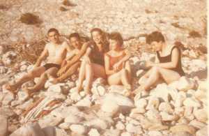"""Sur une plage  XCF """"Vonvon"""" XIMENES Melles FORCADE"""