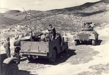 Photo-titre pour cet album: 110ème RIM    (Régiment d'Infanterie Motorisé)Aérotransporté en Algérie le 25 août 1955 Retour en France fin décembre 1961