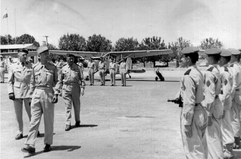 BERROUAGHIA le 28 juin 1960 Passage de commandement du capitaine Dumontet au capitaine Arzel