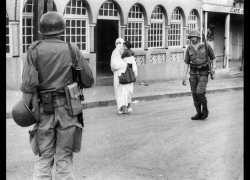 Une patrouille dans Alger