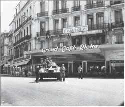 La Fin ---- les chars de la Gendarmerie  dans Oran
