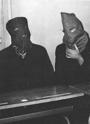 """Interrogatoire de 2 suspects qui deviendront des """"Bleus de Chauffe"""""""