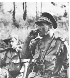 Capitaine de Corvette SANGUINETTI  commandant le BIFM  (Bataillon d'Intervention de Fusiliers Marins).