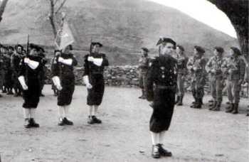 Adjudant Marcel TARPIN Sur la droite, commando de chasse P11