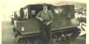 1958 - devant le cercueil roulant
