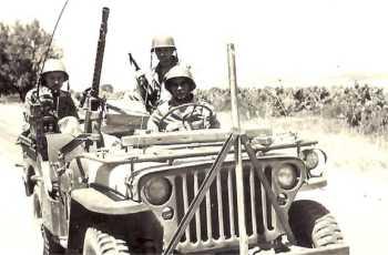 "Patrouille chasseurs de la ferme ""Catala"" (Bouira) en 1958"